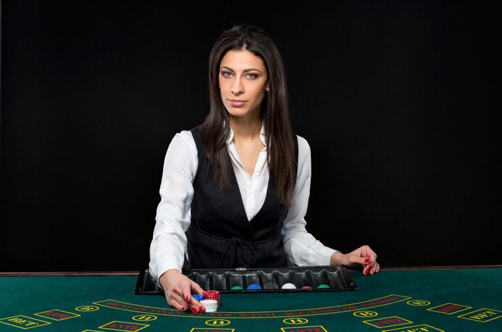 keuntungan bermain baccarat online